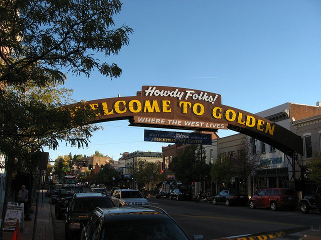 Welcome to the city of golden sign